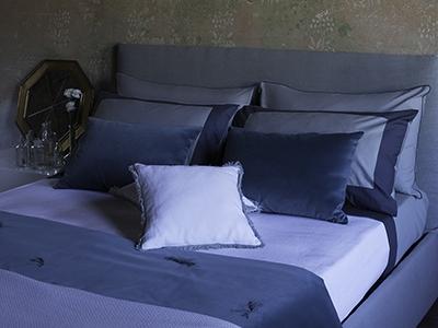 Cuscini e trapunta in velluto di cotone Fenice